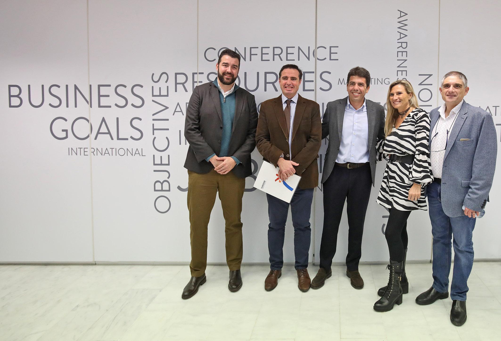 Carlos Mazón destaca el papel de la tecnología y la digitalización en la mejora del sector turístico