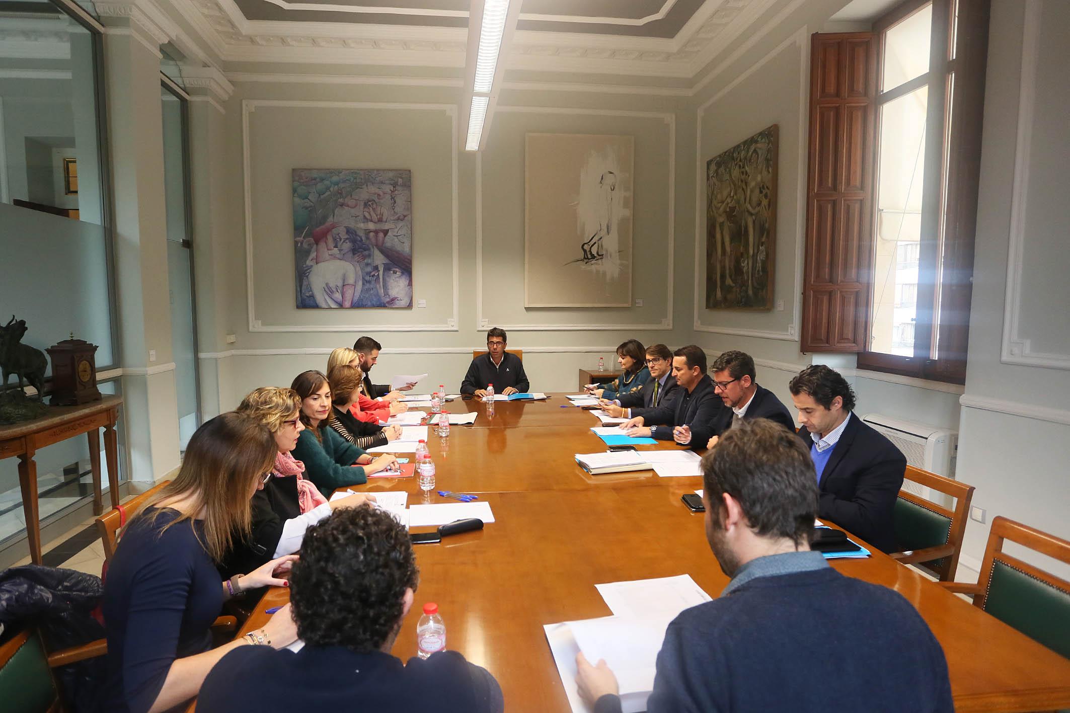 El Patronato Costa Blanca activa una nueva estrategia para que más ayuntamientos y entidades accedan a las ayudas de promoción turística