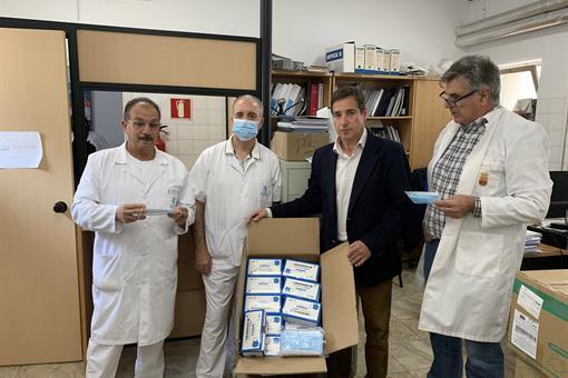 El empresario alicantino Antonio Valls Orts dona 100.000 guantes y 20.000 mascarillas a la Diputación de Alicante